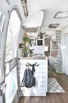Extraordinary Vintage Camper Interior Ideas, Your camper is really the sweetest. To begin with, let's talk about things you ought to search FOR in your prospective camper. Vintage campers are ava. Interior Trailer, Airstream Interior, Airstream Remodel, Travel Trailer Remodel, Airstream Renovation, Campervan Interior, Airstream Rv, Airstream Decor, Remodel Pop Up Camper