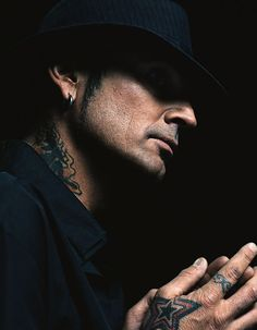 TOMMY LEE of Mötley Crüe for ZOO MAGAZINE.JANUARY2006.