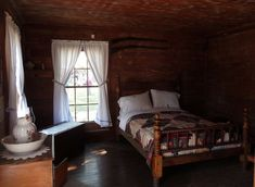 1800's bedroom