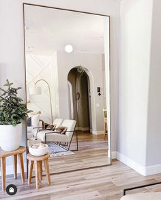 Handcrafted by Indonesian artisans, our simply chic Linnea mirror collection features a versatile, contemporary aesthetic. Minimalist steel frames are finished […] Big Mirror In Bedroom, Living Room Mirrors, Home Living Room, Living Room Designs, Living Room Decor, Bedroom Decor, Big Mirrors, Giant Mirror, Beige Living Rooms