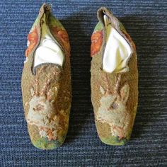 President Abraham Lincoln's Slippers. Abraham Lincoln wore these size 14 goat slippers while relaxing at home, right up until the day he was assassinated. Soon to be displayed at President Lincoln's Cottage in Washington, D.C.,