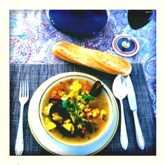 Bouillabaisse, french fish soup French Fish Soup, Curry, Eat, Cooking, Ethnic Recipes, Food, Cuisine, Curries, Kochen