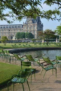 Springtime in Jardin des Tuileries Paris France Totally Frickin Awesome Tuileries Paris, Jardin Des Tuileries, Paris Travel, France Travel, Paris Garden, Louvre Paris, Beautiful Paris, Reisen In Europa, Paris City