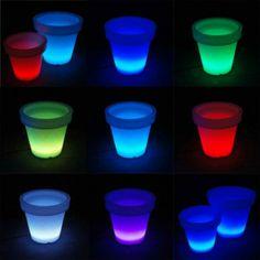 Macetero para flores LED - Macetero muy decorativo con iluminación LED multicolor de doble forro. Hermoso para interior y exterior. Viene con un cable de goma de 4m y adaptador con enchufe IP44