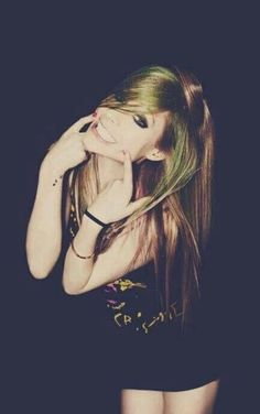 Avril Lavigne, smile, and Avril Bild *Avril Lavigne - all for beauty ->>> | http://fas.st/1m_YV7