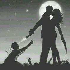 Tu, yo, matando zombies, besandonos bajo la luna...piensalo!!