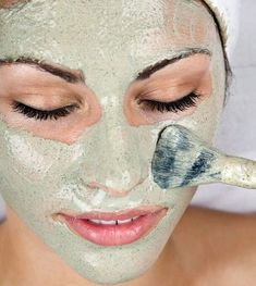 """""""This roundup of homemade face mask recipes will have you pampering your skin in no time! Find the right homemade facial mask recipe for your skin type! Homemade Facial Mask, Homemade Facials, Homemade Scrub, Homemade Masks, Diy Beauty, Beauty Skin, Beauty Hacks, Beauty Tips, Beauty Care"""
