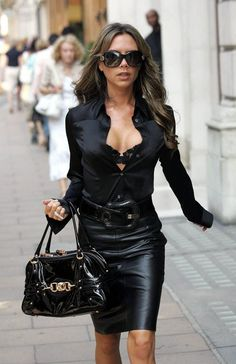 victoria-in-sexy-black-leather-skirt