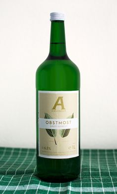 Direkt gepresster Obstmost  #most #aichinger Drinks, Bottle, Day Off, Farm Shop, Holiday, Wine, Drinking, Flask, Drink