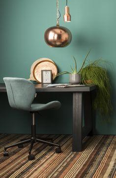 Stylish én goed verlicht achter je bureau zitten met Zuiver Office chair OMG van ZUIVER