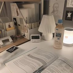 Study Desk, Study Space, Desk Inspiration, Desk Inspo, Study Room Decor, Study Corner, Study Organization, Studyblr, Minimalist Room