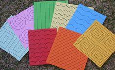 Acividades estilo Montessori. Motricidad fina. Imprimibles gratis - Montessori style cutting box with free printable patterns.