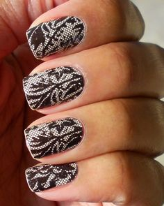 I love the lace nails. I should really try this. I bet I would screw it up but the fun is in the trying :)