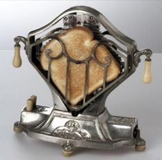 Art Deco toaster, 1920s.....would be cool to put in a kitchen as a decoration