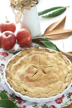 """Quale modo migliore per dare il benvenuto all'autunno se non con una torta di mele? Anzi….LA torta di mele : laApple pie, la famosa torta americana, quella della """"nonna Papera&#…"""