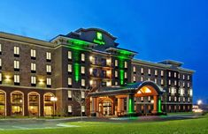 Just off Highway 10, a short drive from Dow Gardens, this hotel in Midland, Michigan offers contemporary guestrooms with free wireless internet access and... Midland Michigan, Midland Hotel, Rain Design, Site Restaurant, Spa Tub, Vacation Memories, Interior Design Photos, Exterior Lighting, Interior Exterior