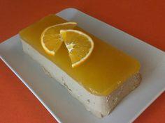 [Thermomix] Paté a la naranja....buenisimoo y recomendadisimo .... Ingredientes: 6 hojas de gelatina neutra 200 g de zumo de naranja natural 2 dientes de ajos 2 cebollas 1 pastilla de mantequilla sin sal (250 g) 1 hoja de laurel tomillo (yo no le puse, no m gusta su sabor) sal pimienta 500g de higaditos de pollo 1 brik pequeño de vino blanco (200 g) 20 g de vino moscatel 1 naranja para lonchear y decorar