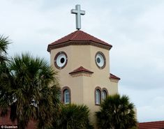 'Chicken Church'. The Church by the Sea in Tampa Bay, Florida has a chicken face :-)