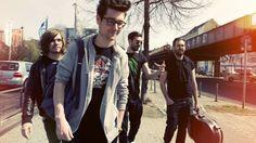 Bastille is weer terug met nieuwe muziek! Op donderdag 16 juni is de single 'Good Grief' uitgekomen. Wat vind jij van het nieuwe nummer?