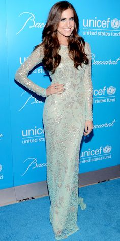 Allison Williams sparkled in a silver applique Naeem Khan design and diamond Bulgari jewels at the UNICEF Snowflake Ball.
