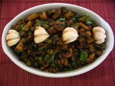 Potato Mushroom Curry {Via Sify}
