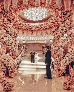 This breathtaking pink wedding decor is to die for! All those pink roses the incredible central chandelier and the total concept make our hearts beat faster And what would be the colour of your wedding decor? Glamorous Wedding, Elegant Wedding, Perfect Wedding, Dream Wedding, Wedding Day, Wedding Bride, Rustic Wedding, Church Wedding, Luxury Wedding