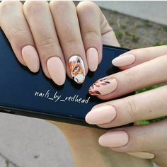 Autumn nails, Autumn nails with leaves, Beautiful autumn nails, Fall nails ideas, Oval nails, Pastel nails