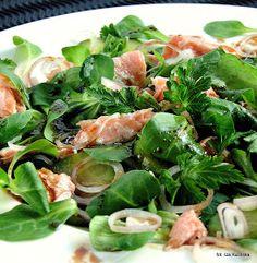 sałatka , sałatki , ryba , łosoś , z rybą , roszponka , sałata , zielenina , sos , przekąska , smaczna pyza , blog kulinarny , przepisy , najsmaczniejsze , domowe jedzenie ,