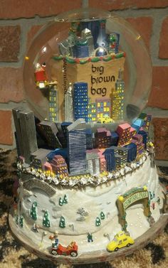 Bloomingdales Big Brown Bag Snow Globe Musical Central Park Twin Towers Holiday
