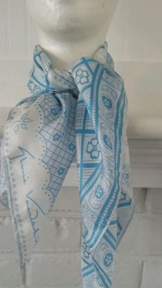 VTG GLORIA VANDERBILT DESIGNER SILK SCARF SIGNED 100% Silk Made Japan in Clothing, Shoes & Accessories, Vintage, Vintage Accessories | eBay