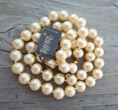 """Vintage Trifari Faux Pearl 20"""" Single Strand Necklace With Tag"""