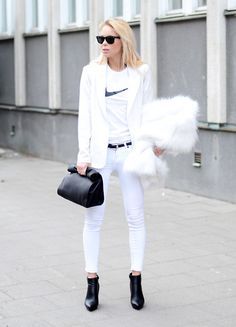 Cool Post: One Color Outfits -  http://www.lecouture.de/2013/06/inspiration-one-color-outfits/