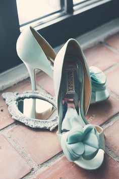 BriStyle Magazine - Something Blue #zapatos #novias #somethingblue