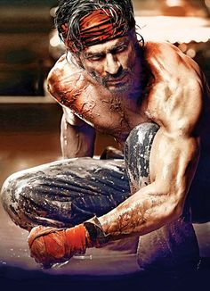 hard work and patience! SRK's look in HNY Shahrukh Khan Raees, Kajol Dilwale, Shah Rukh Khan Movies, Ranveer Singh, Kuch Kuch Hota Hai, Om Shanti Om, Anushka Sharma, Bollywood Stars, Bollywood News