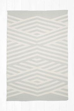 Tove 5x7 Rug in Grey
