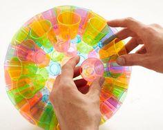 esfera de copos de plastico reciclados