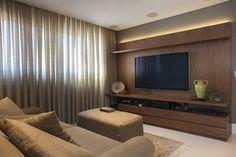 Sala de TV - Home Theater : Salas multimídia modernas por Arquitetura 8 - Ana Spagnuolo & Marcos Ribeiro