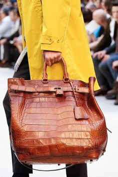 'I'm Having A Man Bag Moment' with this new Burberry Prorsum Croco Tote Bag. It is 'THE' bag for men this season! Burberry Prorsum Croco Tote Bag Spring/Summer Men's Collection 2013 Look Fashion, Fashion Bags, Fashion Accessories, Milan Fashion, Fashion Handbags, Fashion Jewelry, Tote Handbags, Purses And Handbags, Fendi Purses