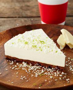 Limetkový cheesecake s bílou čokoládou a karamelovými sušenkami Sweet Desserts, No Bake Desserts, Sweet Recipes, Czech Recipes, Healthy Cake, Mini Cheesecakes, Desert Recipes, Graham Crackers, Cheesecake Recipes