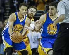 Warriors go small in Game 4, new lineup stands tall