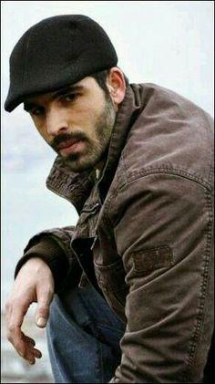 Mehmet Akif Alakurt Beard And Mustache Styles, Beard No Mustache, Turkish Actors, Models, Perfect Man, Sexy Men, Hot Men, Hot Guys, Handsome