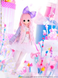 :D I could probably get 2 or even 3 other dolls on my wishlist at her current going price though LOL. Anime Dolls, Bjd Dolls, Plush Dolls, Doll Toys, Barbie Dolls, Pretty Dolls, Cute Dolls, Beautiful Dolls, Kawaii Doll