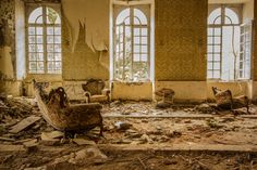 When buildings are abandoned and forgotten, it's the end of a story. Slowly these old structures will be reclaimed by their environment. This process of urban decay is sad and beautiful. It's also a unique photo opportunity, according to urban explorers. Photographers of urban decay focus on what happens after the end, when buildings are …