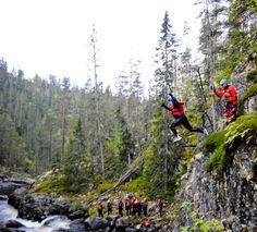 Friluftsliv/Ekstremsport vant over både høydeskrekken og vannskrekken på juving i Røafallene.