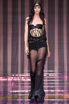 Atelier Versace Fall 2015 Couture Fashion Show - Lara Stone