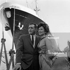 "Actors Barbara Hale as Della Street and Raymond Burr as Perry Mason perform in a scene from an episode of the TV series ""Perry Mason"" entitled ?The Case of the Malicious Mariner? on August Get premium, high resolution news photos at Getty Images Mason Raymond, Raymond Burr, Perry Mason Tv Series, Best Tv Couples, Color Television, Jacqueline Kennedy Onassis, Video Film, Classic Tv, Photo Archive"