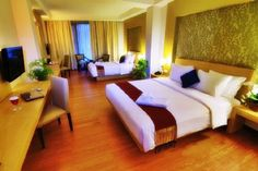 The Axana Padang  http://www.yuktravel.com/hotel-domestik/detail/37829694/10-18-2012/10-19-2012/2,0%7C/1/The%20Axana%20-%20Padang%20Hotel
