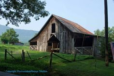 Old barn near Townsend, Tenn.**