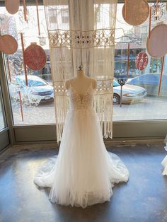 Lace Wedding, Wedding Dresses, Gowns, Fashion, White People, Bride Dresses, Vestidos, Moda, Bridal Gowns