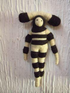 needle-felt spirit inspired in Selknam culture by mialma. Needle Felting, Tigger, Art Dolls, Plush, Wool, Disney Characters, Chile, Handmade, Crafts